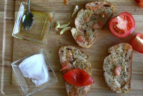 Pan Con Tomate | Spanish Tomato Bread | recipris