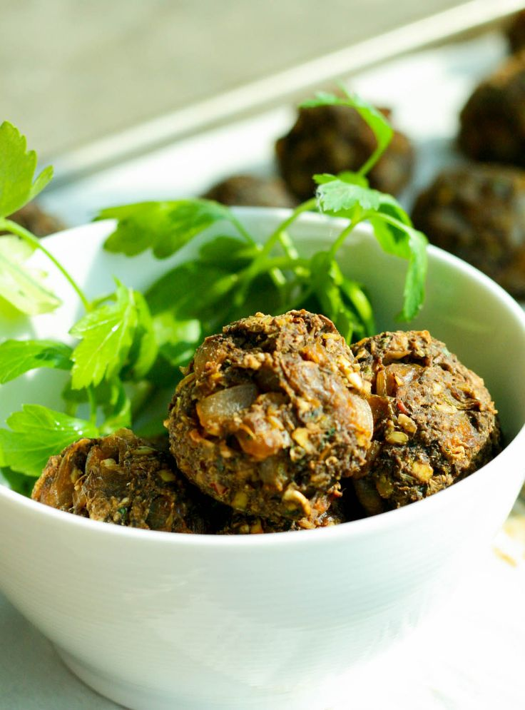 These mushroom lentil meatballs are perfect for a party appetizer ...