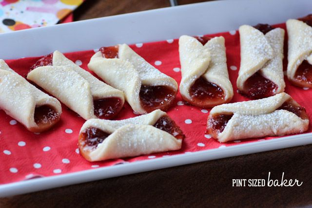 Jam Kolaches Recipe from Pint Sized Baker #BringtheCOOKIES