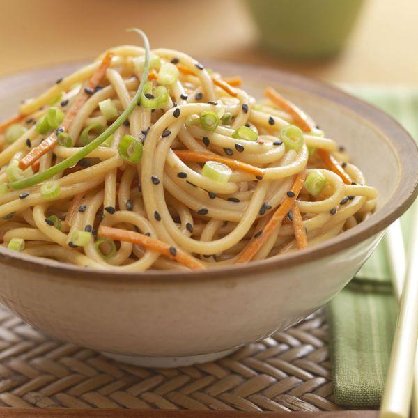 Sesame Peanut Noodle Bowl | vegetarian | Pinterest