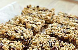 Homemade Granola Bars WITHOUT SUGAR - Banana, oats, dates. Also great ...