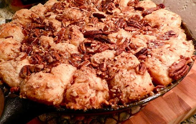 Skillet Monkey Bread   Breakfast Table Sweets   Pinterest