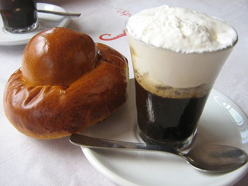 Sicilian breakfast: brioche e granita