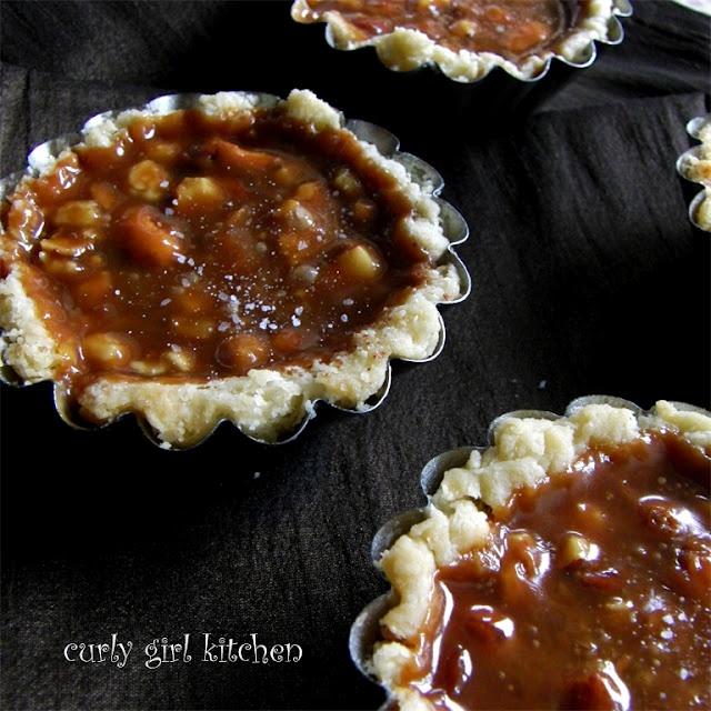 Salted Caramel Almond Tarts | Desserts | Pinterest