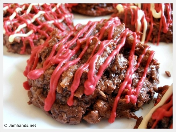 Chocolate & Cherry Coconut Macaroons | Cookies and bars | Pinterest
