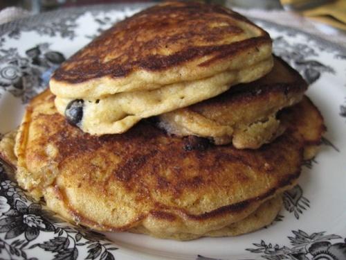 Whole wheat buttermilk pancakes | I ♥ pancakes&waffles | Pinterest