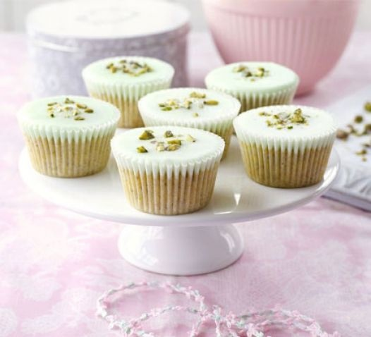 Pistachio cupcakes - Yummyship | Grilling and more | Pinterest