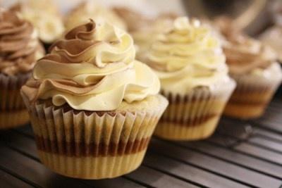caramel cake. | Cupcakes & Muffins | Pinterest