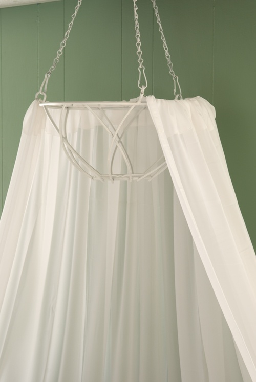 Diy bed canopy from hanging basket decor pinterest for Diy baby crib canopy