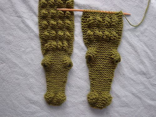 want~~ (gator gauge by knitter by nature)