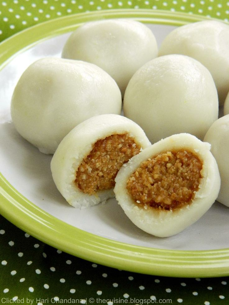 Peanut Kozhukattai ~ Steamed Rice Dumplings with Peanut & Coconut ...