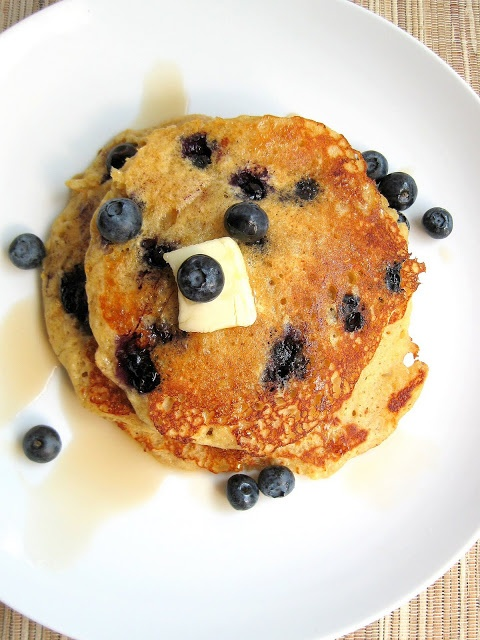 """Blueberry Cornmeal Pancakes & a lot of other great recipes at """"A Hin..."""