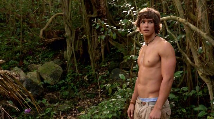 Male Hunk news - Brenton Thwaites will be the Prince in upcoming Maleficent