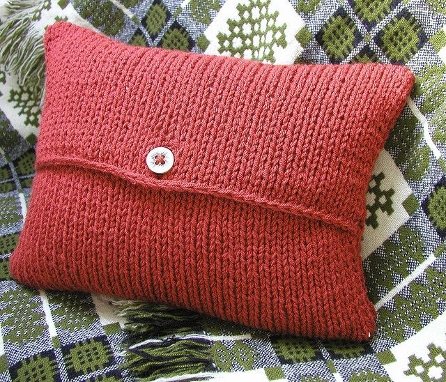Easy Knit Cushion Cover Pattern : Envelope Cushion Cover Knitting Pattern Crochet, Knit... Pinterest
