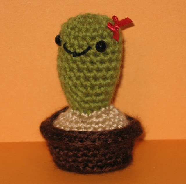Amigurumi Cactus Pattern : Pin by Kathy Stanbury on knittings and crochets Pinterest