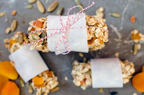 Basic Granola Bar Recipe + How to Stretch - A Side of Sweet