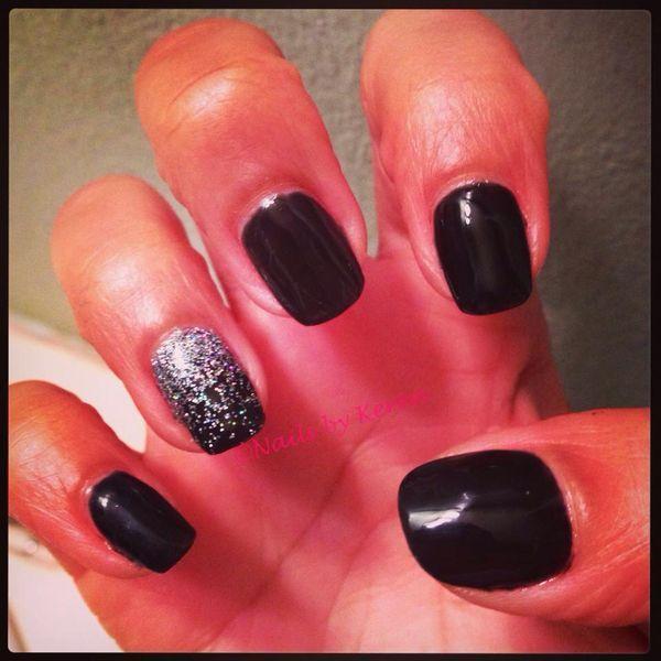 Black nails , faded glitter ring finger | Hair & Makeup | Pinterest