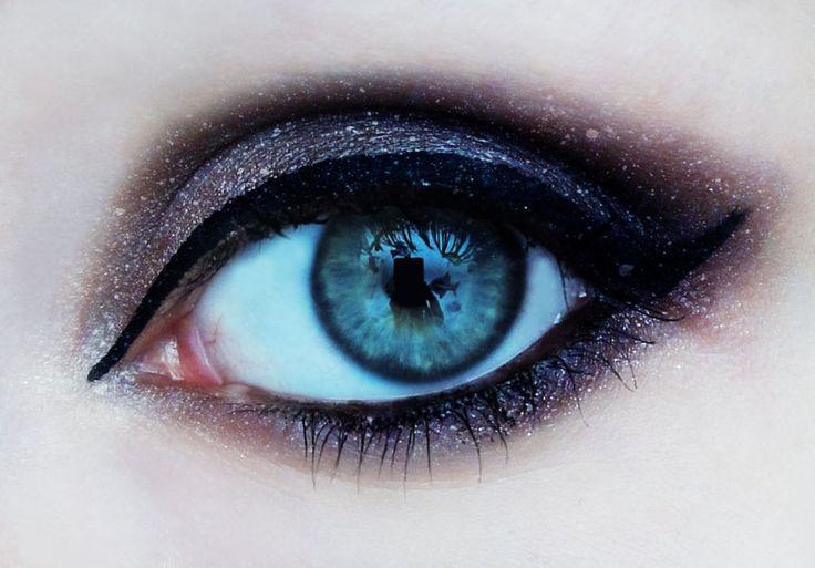 اقوي مجموعه مكياج عيون تحفه 9952266f2378d7b41c75
