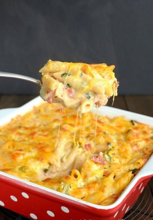 Chicken Bacon Ranch Pasta Bake - a delicious and cheesy pasta bake ...