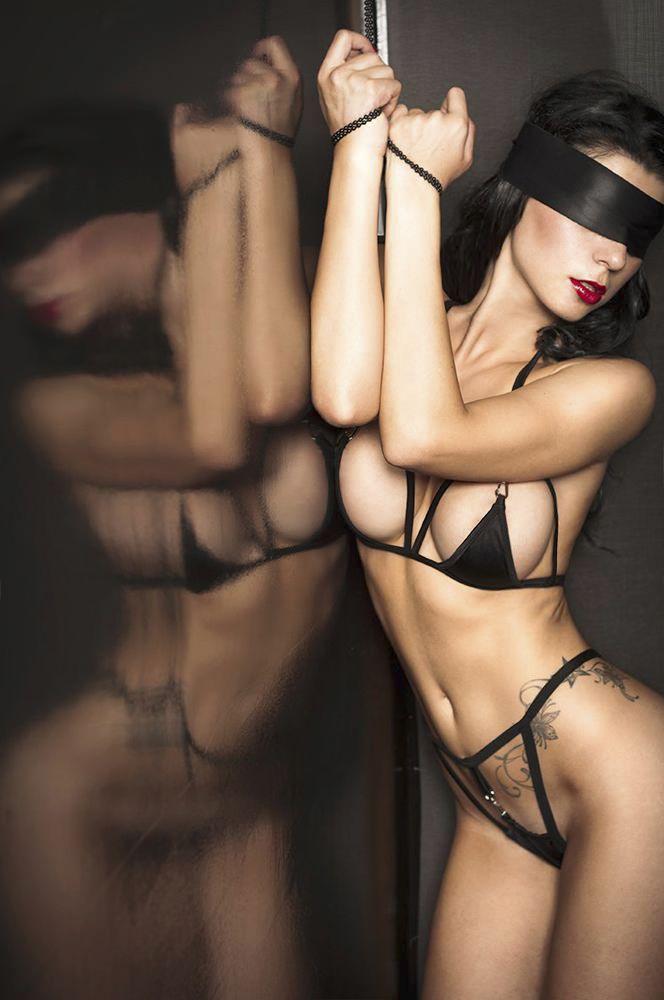 foto-devushki-v-eroticheskom-nizhnem-bele