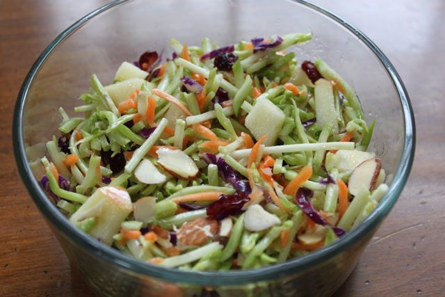 Crunchy & Tart Broccoli Salad | food | Pinterest