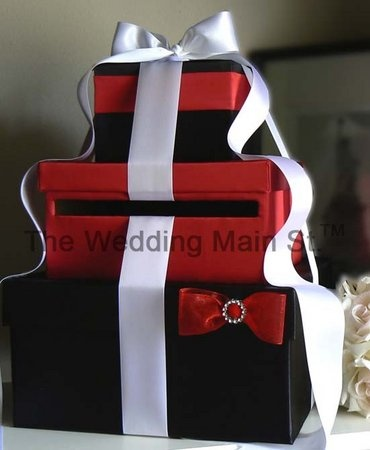 Wedding Envelope Box...  I wouldn't  do it just like this! but I love the general idea!