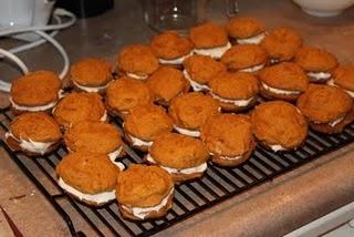 Mini Pumpkin Whoopie Pies | Food and Recipes | Pinterest