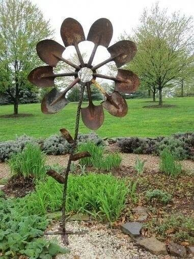 Repurpose old shovels, garden art, reuse, recycle, metal sculpture.