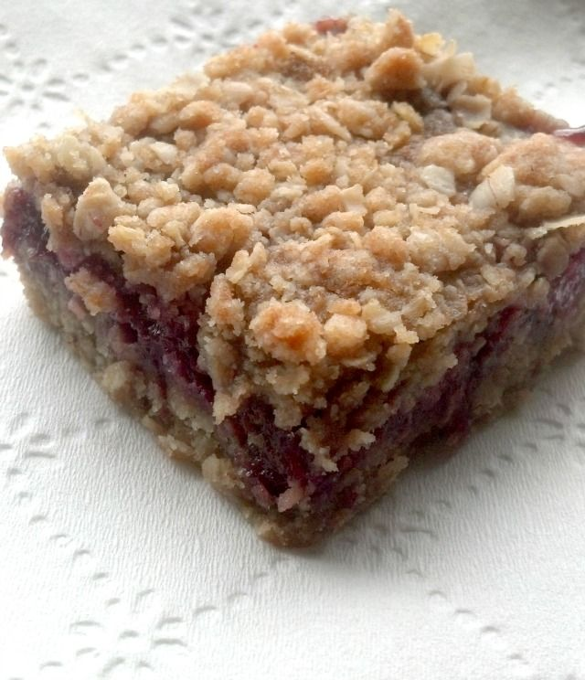 Table Tidbit - raspberry oatmeal bars | dessert | Pinterest