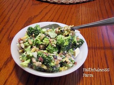 Broccoli-Bacon Toss 1 bunch broccoli 1 onion, finely diced 3-1/2 oz ...