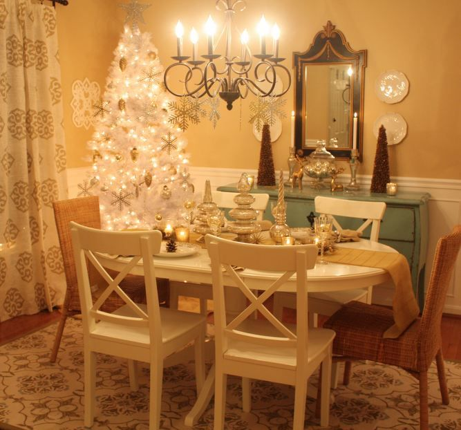 Lovely Dining Room Decorated For Christmas Via Hooked On Houses