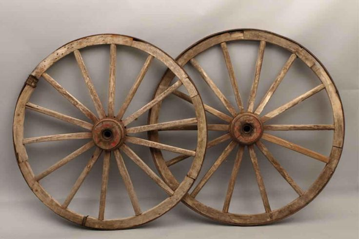 Pin by donna parrish on sotf dream camper ideas pinterest for Things to do with old wagon wheels