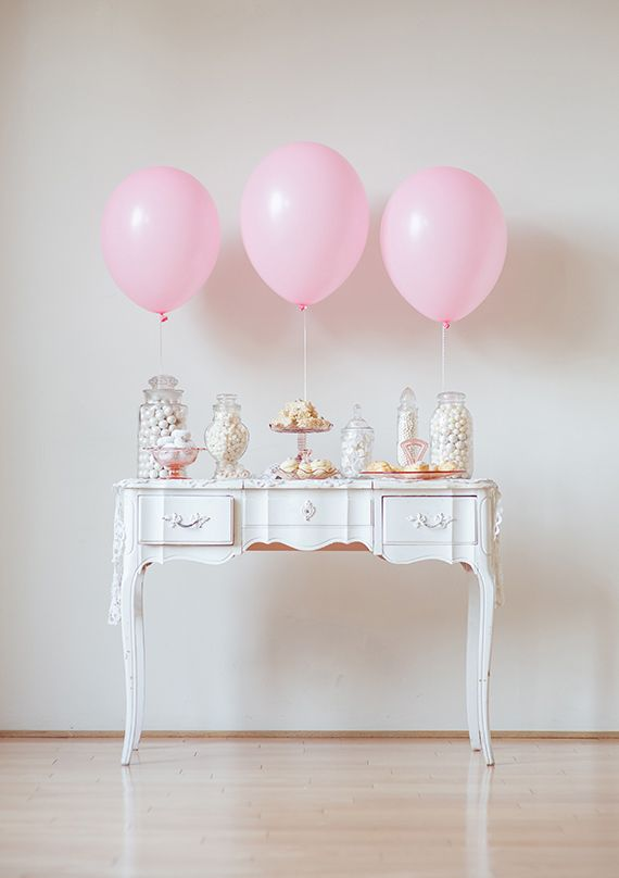 Vintage Chic Party Deco Inspiration ♥ | 100layercake.com