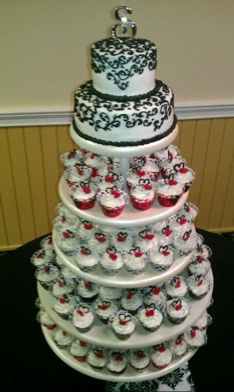 Wedding cake / cupcakes.. cake Pinterest