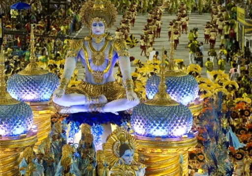 """BRASIL   FOTOS DEL CARNAVAL DE RIO. V, 15 FEB 2013 - """"Rio de Janeiro cierra con vibrantes desfiles el Carnaval más famoso del mundo (FOTOS)"""". (IPITIMES.COM® /FUENTE: NOTICIA AL DIA)."""