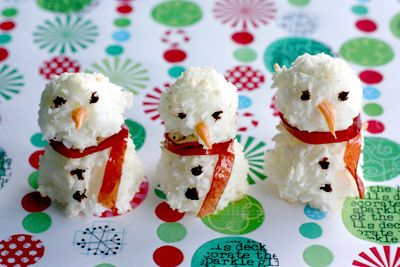 Snowman Macaroon, by susannotsusie | Things To Eat | Pinterest
