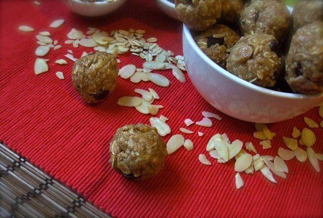 almond protein balls. no bake oatmeal cookies.
