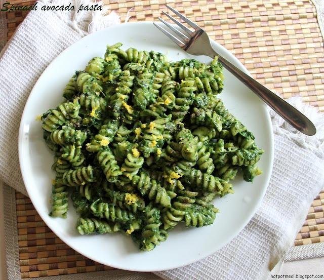 Pasta - 2 cups      Spinach - 1/4 cup      Avocado - 1      Garlic - 2      Olive oil - 1 tbsp      Pepper and salt - to taste      Lemon juice - 2 tbsp
