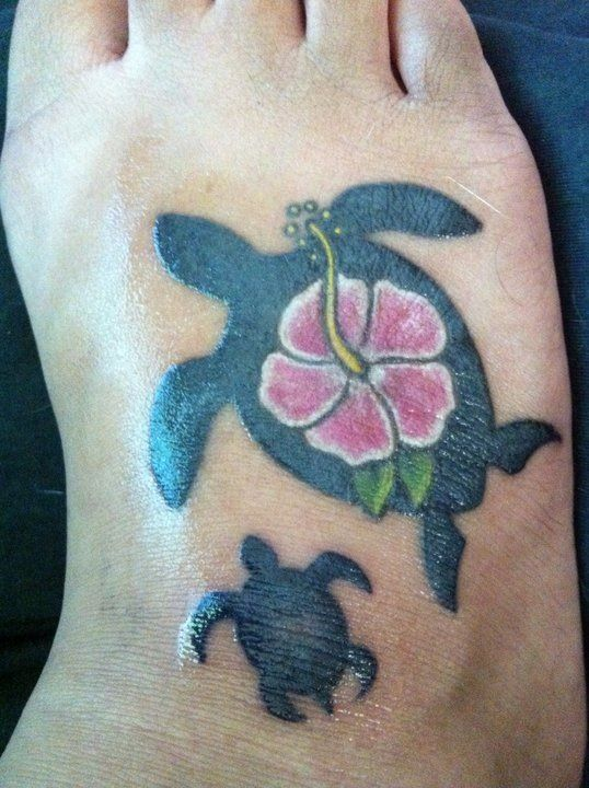 Tattoo hawaiian honu tattoos and piercings pinterest