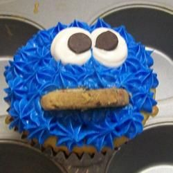 ... cupcake that looks like cookie montser! - Chocolate Chip Cookie Dough