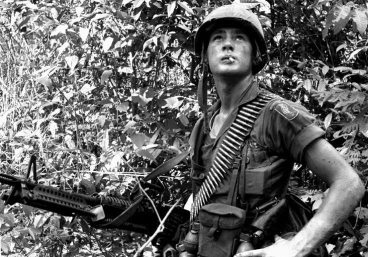 machine gunners of vietnam war