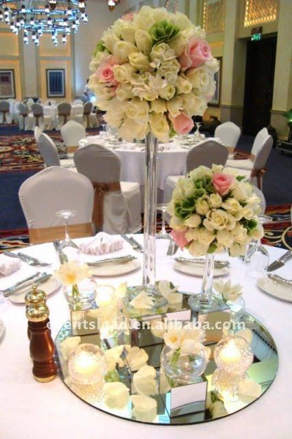 Decoracion de boda centros de mesa con espejo y vela for Decoracion bodas valencia