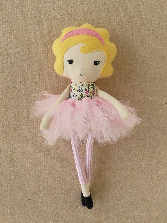 Ткань куклы Rag Doll с розовой Туту.  Так мило!