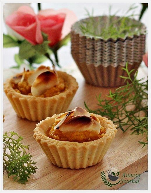Mini Pumpkin Tarts | We Love To Bake! | Pinterest