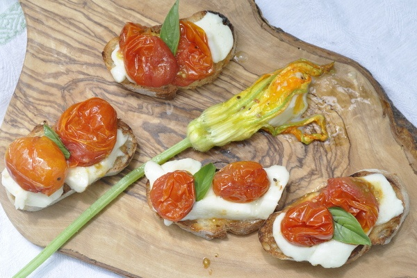 Burrata and Tomato Bruschetta | Temptations, Temptations | Pinterest
