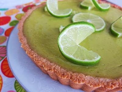 Avocado Lime Cheesecake Tart @ http://fragrantvanillacake.blogspot.com ...