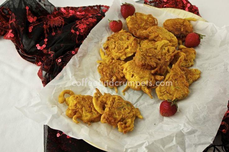 Onion Bhajis/Pakoras | Onion Fritters | FRITTERS | Pinterest