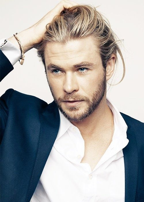 chris hemsworth, don't usually like blonde guys but he's just yum