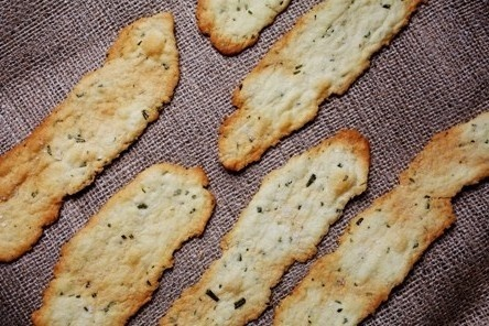 Crisp Rosemary Flatbread Crackers - Packaged in cellophane with a bow ...
