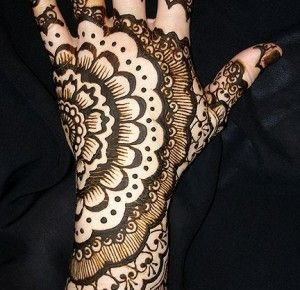 A Modern Update: Wedding Henna/Mehndi for Brides « Sameera Threading + Full Service Salon's Blog